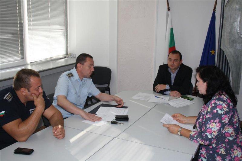 """В Областна администрация се проведе работна среща за изпълнението на Национална програма """"Сигурност"""""""