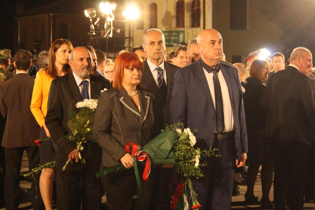Областният управител Гергана Микова присъства на честването на 180-ата годишнина от рождението на Васил Левски в Карлово