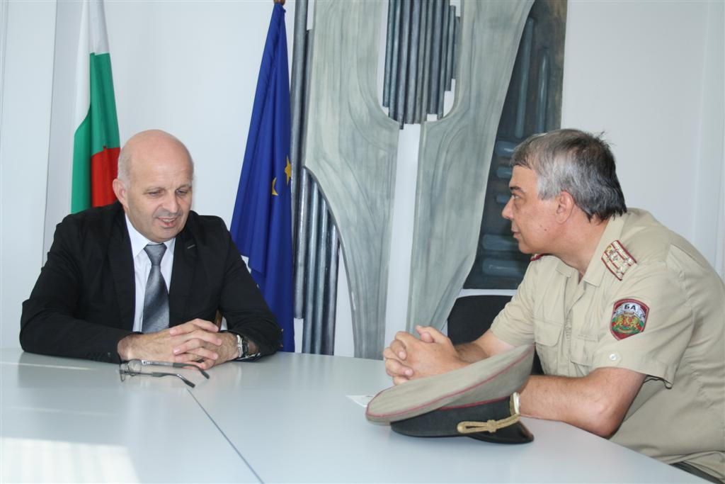 Областният управител инж. Георги Ранов се срещна с новия началник на Военно окръжие