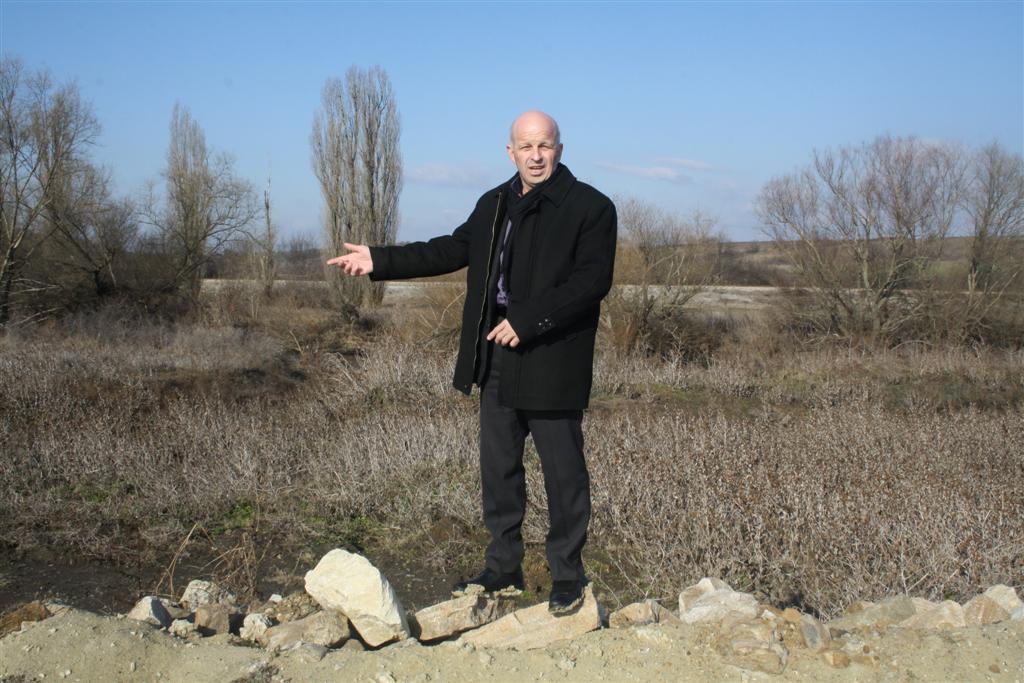 Областният управител инж. Георги Ранов инспектира дигата на р. Сазлийка