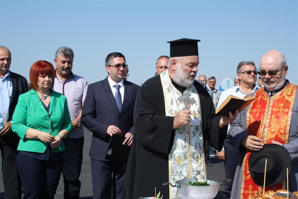 """Областният управител Гергана Микова присъства на откриването на нови пътни връзки на възел """"Плодовитово"""""""