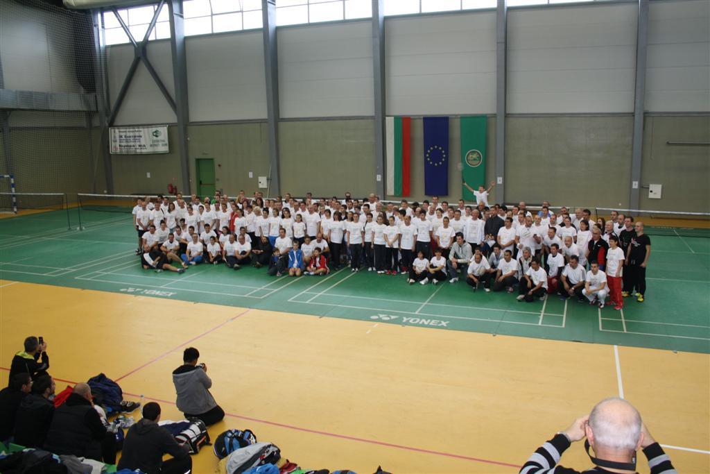 Стара Загора събра рекорден брой състезатели на турнир по бадминтон
