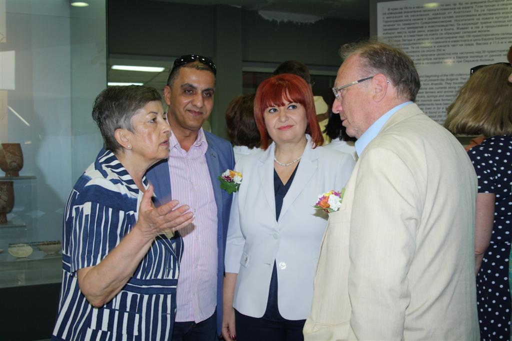 Областният управител и зам.-кметовете на Стара Загора посрещнаха дипломатическия корпус в Историческия музей