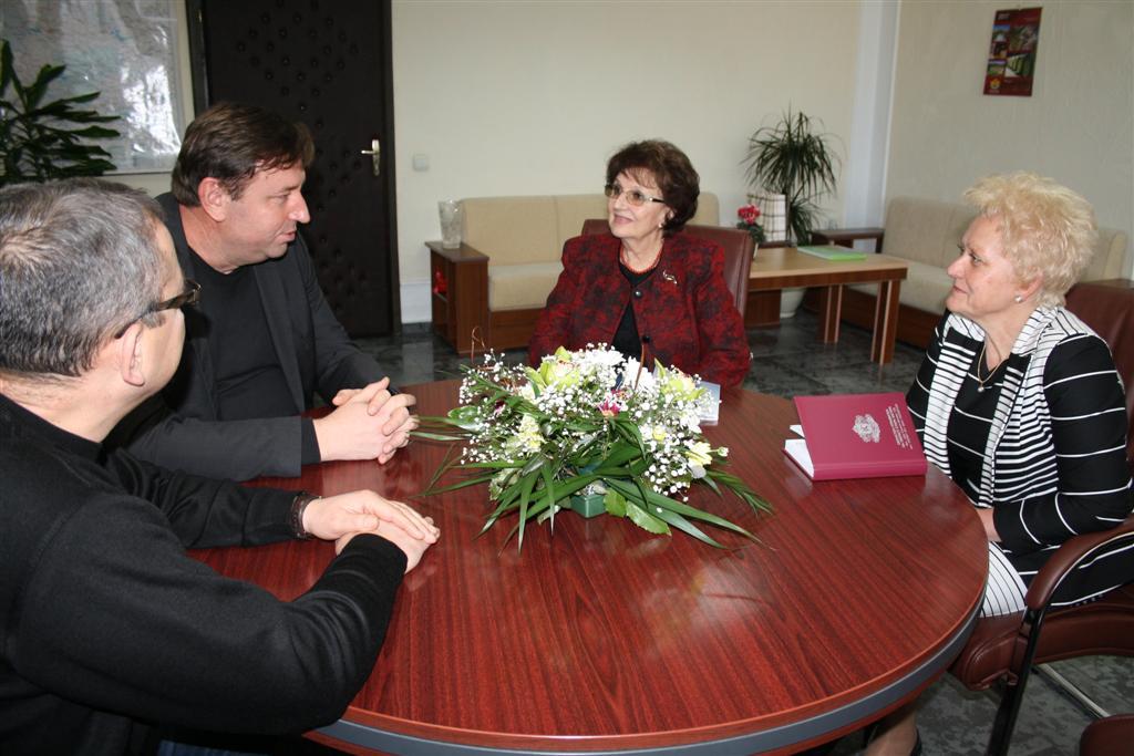 Областният управител проф. Веска Шошева продължава със срещите си с кметове на общини от Старозагорска област