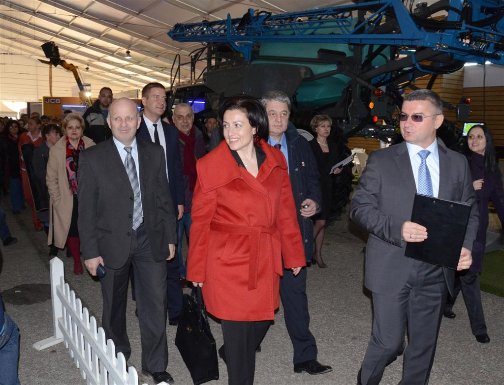 Областният управител и заместниците му присъстваха на откриването на пролетното изложение БАТА АГРО